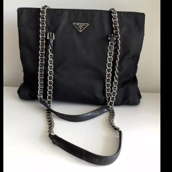 bfabdf275d33 PRADA BLACK NYLON LEATHER CHAIN STRAP BAG. M_5b030bc7a6e3ea604173b27d